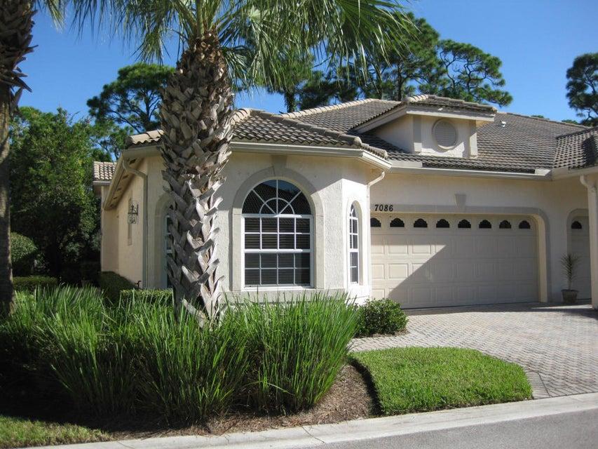 7086 Torrey Pines Circle, Port Saint Lucie, FL 34986