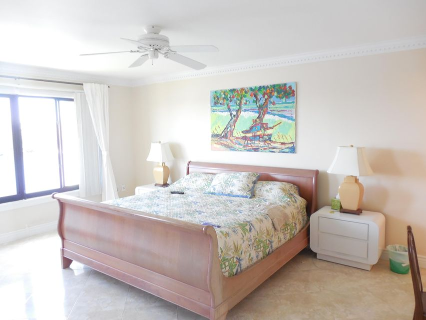 Additional photo for property listing at 3525 S Ocean Boulevard 3525 S Ocean Boulevard South Palm Beach, Florida 33480 États-Unis