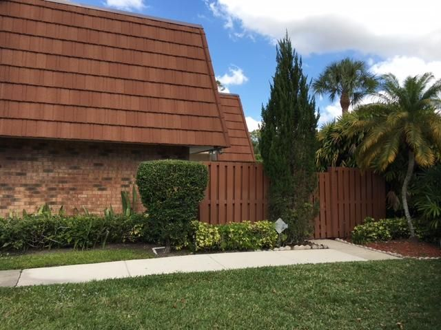 1485 Augusta Circle 121, Delray Beach, FL 33445