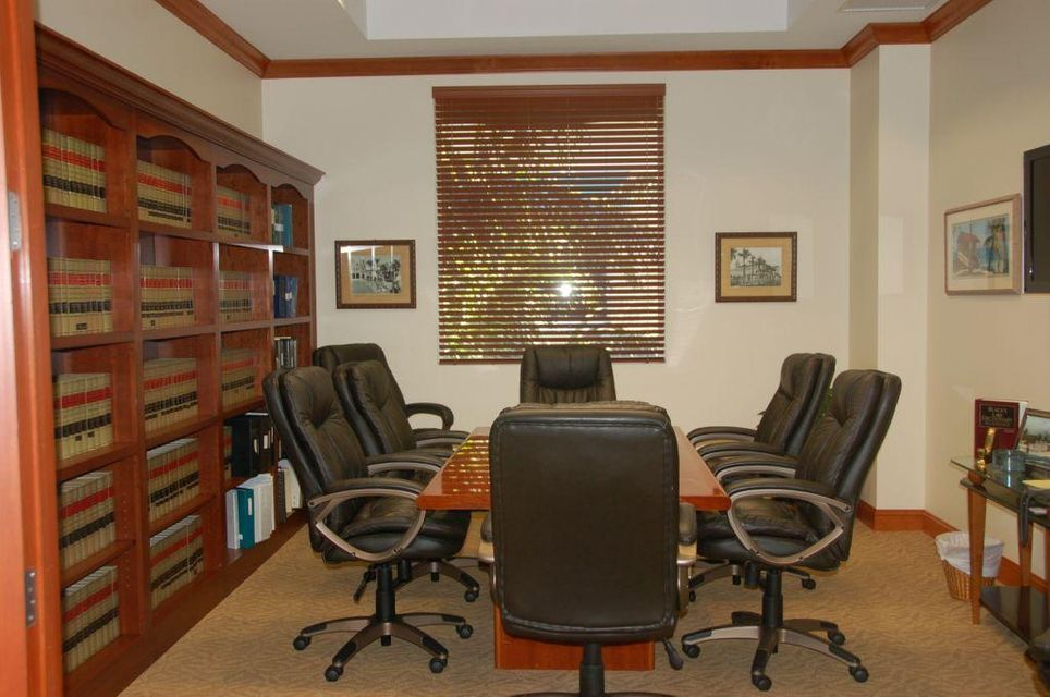 Offices للـ Sale في 2475 Mercer Avenue 2475 Mercer Avenue West Palm Beach, Florida 33401 United States