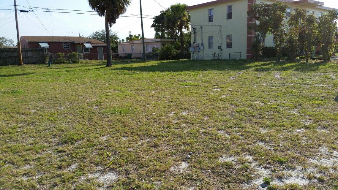 Additional photo for property listing at W Blue Heron Boulevard W Blue Heron Boulevard Riviera Beach, Florida 33404 Estados Unidos