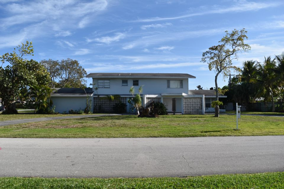 300 NW 22nd Street, Delray Beach, FL 33444