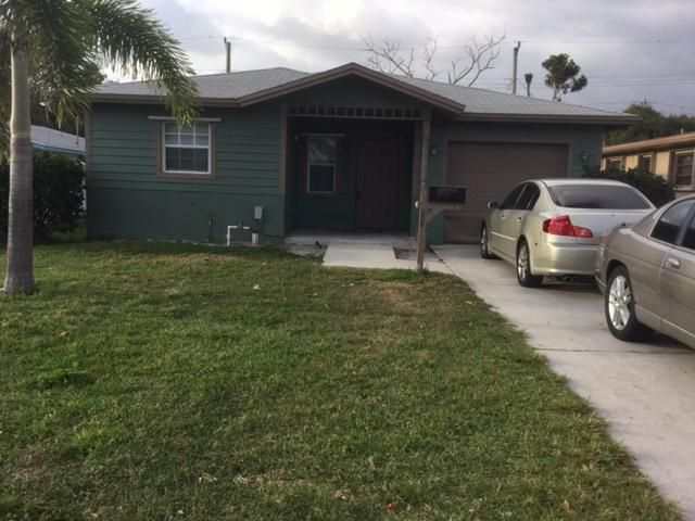 540 NW 11th Avenue, Boynton Beach, FL 33435