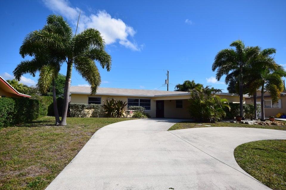 1047 SW 25th Way, Boynton Beach, FL 33426