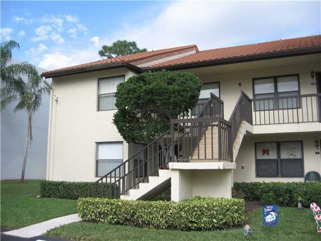 Co-op / Condo for Rent at 4715 E Lucerne Lakes Boulevard E 4715 E Lucerne Lakes Boulevard E Lake Worth, Florida 33467 United States
