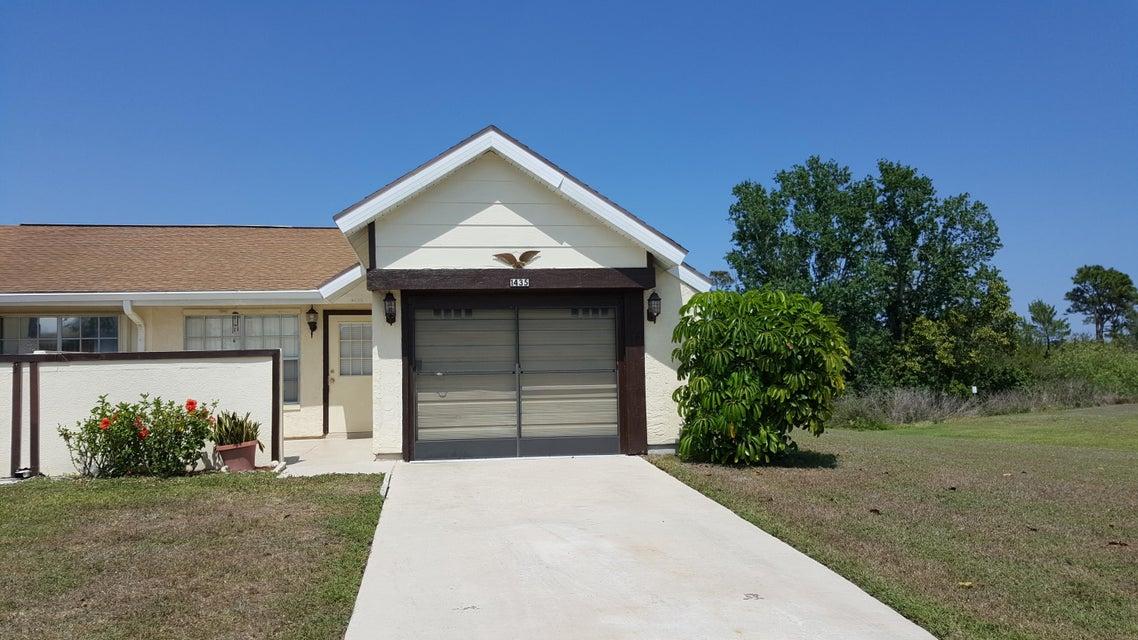 1435 SE Larkwood Circle, Port Saint Lucie, FL 34952