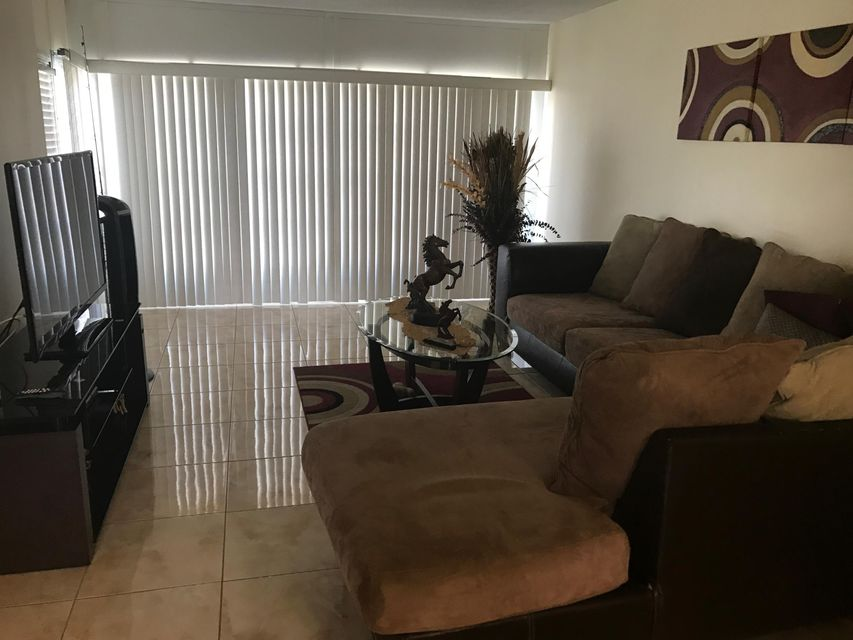 506 Davis Road 55, Palm Springs, FL 33461