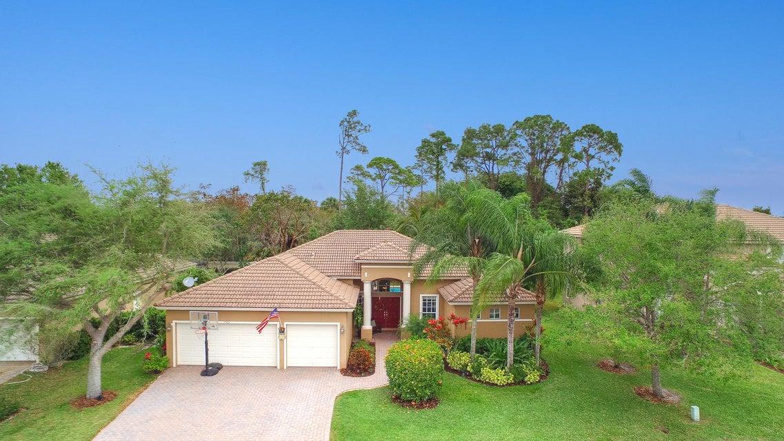 1742 Newhaven Point Lane, West Palm Beach, FL 33411