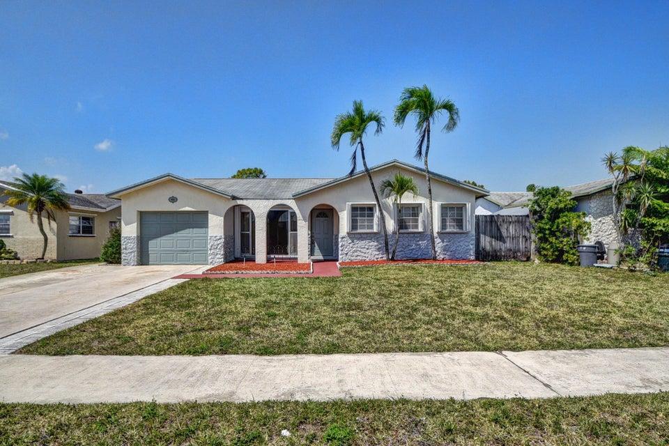 9015 SW 6th Street, Boca Raton, FL 33433