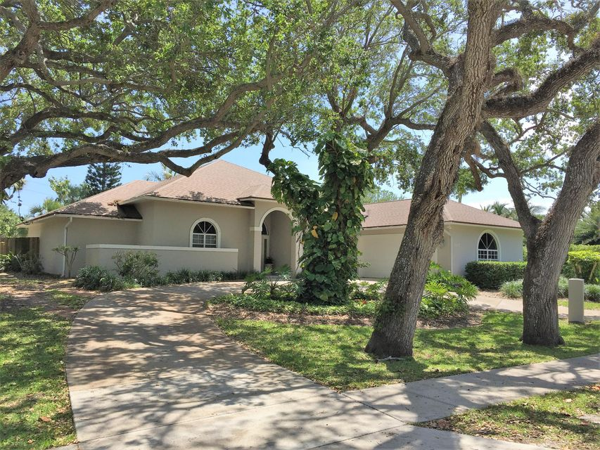 618 Live Oak Road, Vero Beach, FL 32963