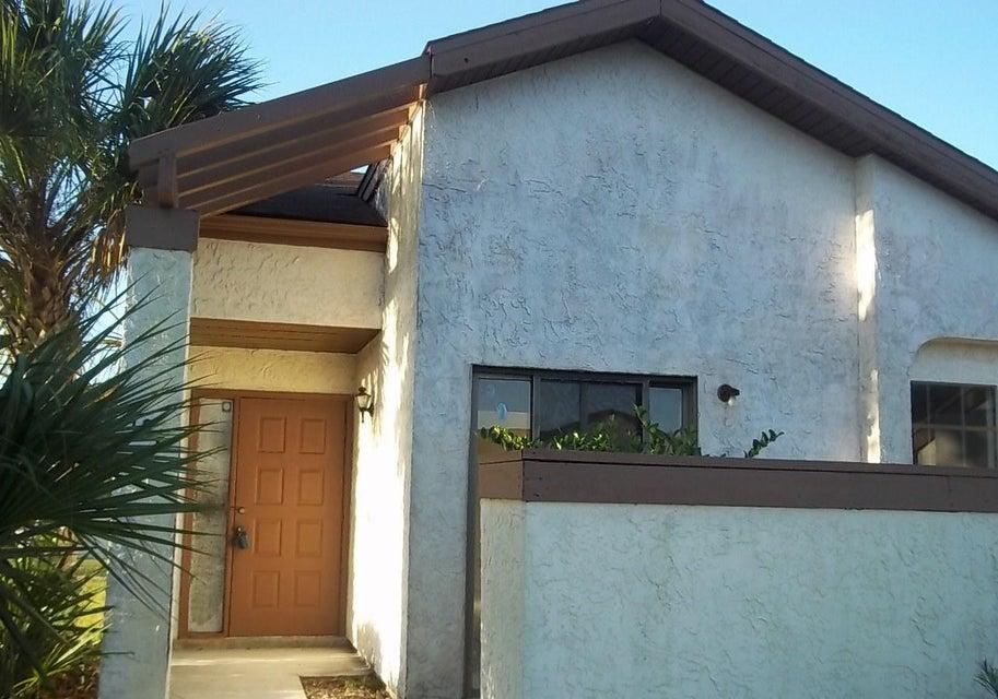 186 SW Colesbury Avenue, Port Saint Lucie, FL 34953