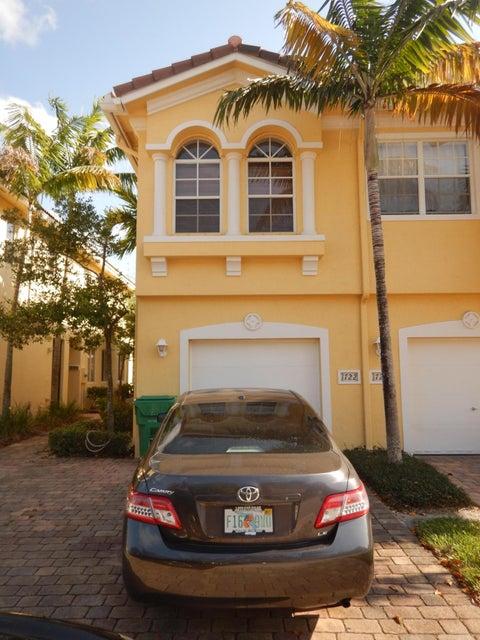 Casa unifamiliar adosada (Townhouse) por un Venta en 1722 Terracotta Drive 1722 Terracotta Drive Riviera Beach, Florida 33404 Estados Unidos