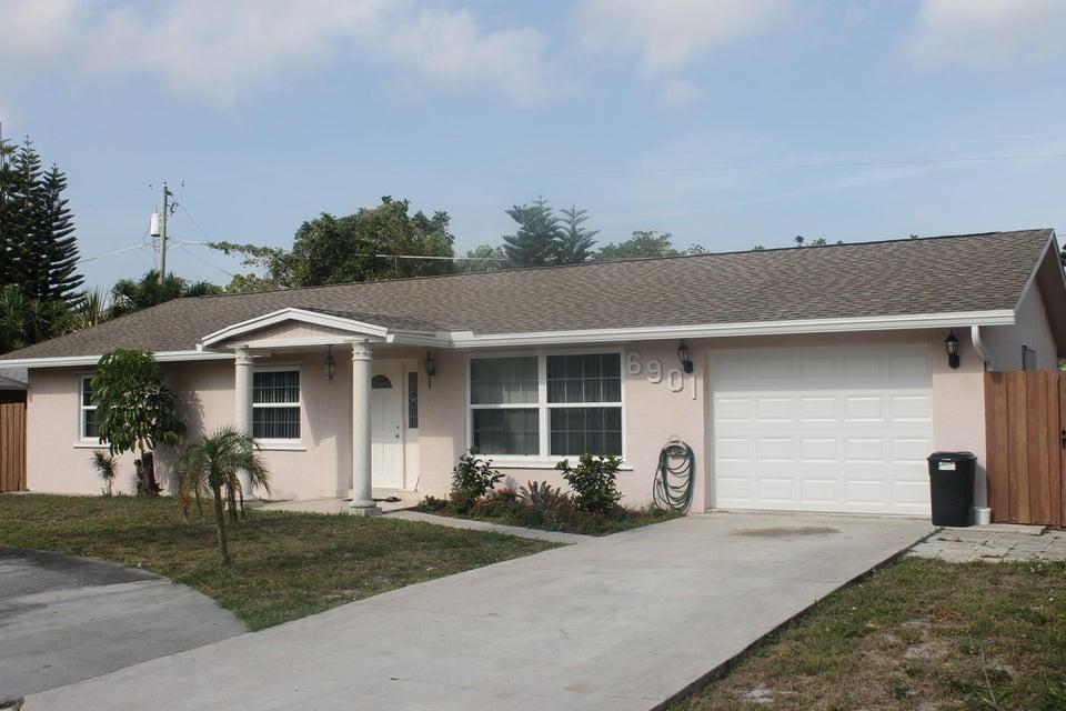 6901 S Plymouth Drive, Lake Worth, FL 33462