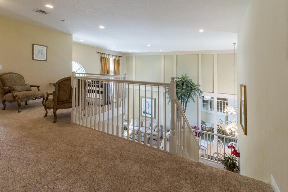 Upstairs Hallway-Loft