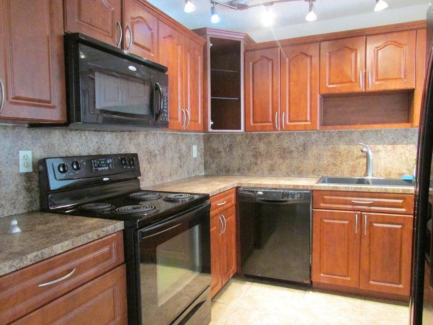 Apartamento por un Alquiler en 7000 NW 186 Street Hialeah, Florida 33015 Estados Unidos
