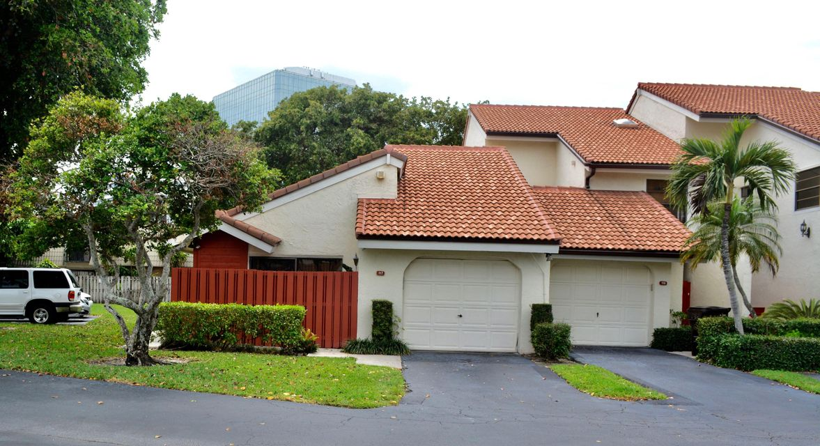 1800 Embassy Drive 117, West Palm Beach, FL 33401
