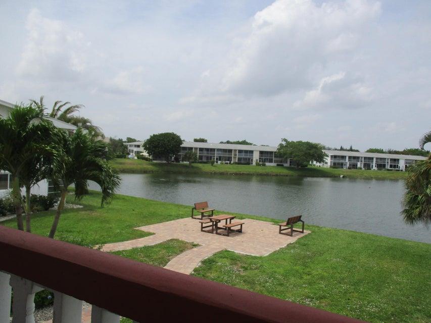 113 Chatham E, West Palm Beach, FL 33417
