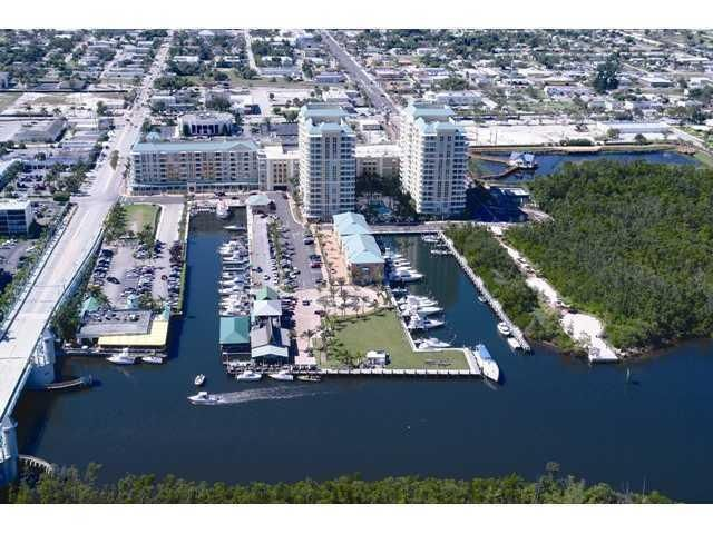 Additional photo for property listing at 625 Casa Loma Boulevard 625 Casa Loma Boulevard Boynton Beach, Florida 33435 États-Unis