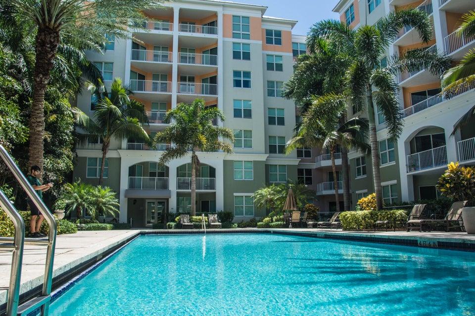 Additional photo for property listing at 804 E Windward Way 804 E Windward Way Lantana, Florida 33462 Vereinigte Staaten
