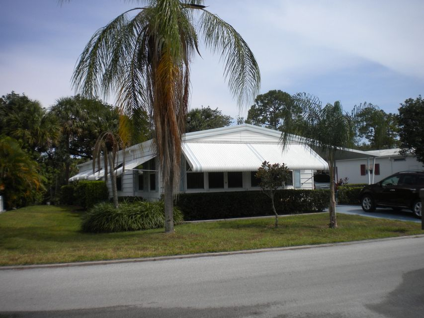 Mobile / Manufactured for Rent at 15 Santa Maria Way 15 Santa Maria Way Port St. Lucie, Florida 34952 United States