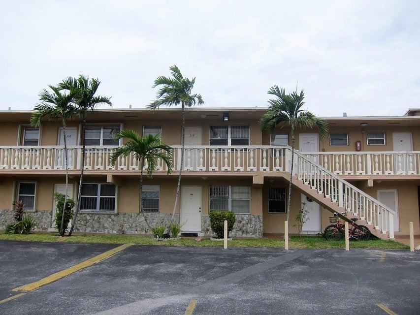 1154 W 35th Street 229, Hialeah, FL 33012