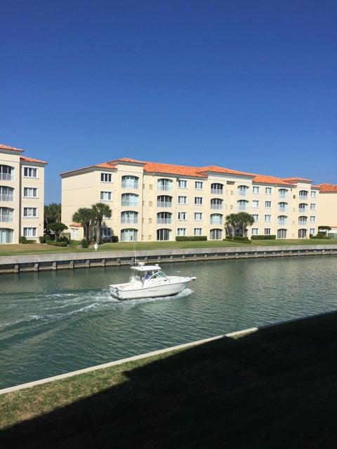 19 Harbour Isle Drive 205, Fort Pierce, FL 34949