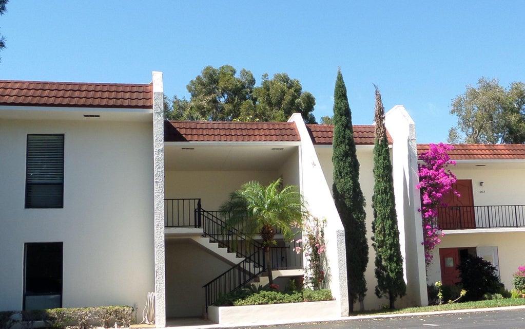 Co-op / Condominio por un Venta en 1723 Embassy Drive 1723 Embassy Drive West Palm Beach, Florida 33401 Estados Unidos
