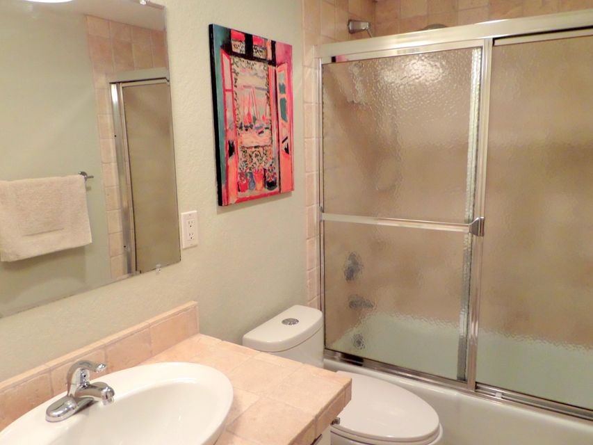 Additional photo for property listing at 1723 Embassy Drive 1723 Embassy Drive West Palm Beach, Florida 33401 Estados Unidos
