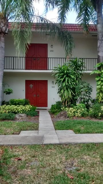 1707 Embassy Drive 102, West Palm Beach, FL 33401