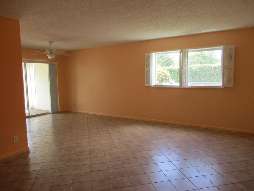 35 Colonial Club Drive 104, Boynton Beach, FL 33435
