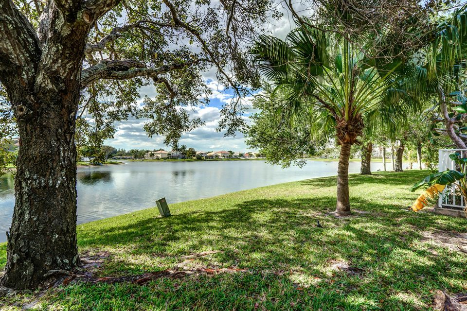 7340 Anadale Circle, Lake Worth, FL 33467