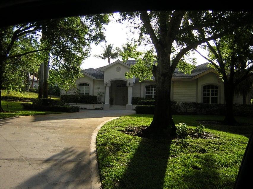 18150 SE Ridgeview Drive, Tequesta, FL 33469