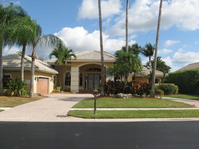 6687 Newport Lake Circle, Boca Raton, FL 33496
