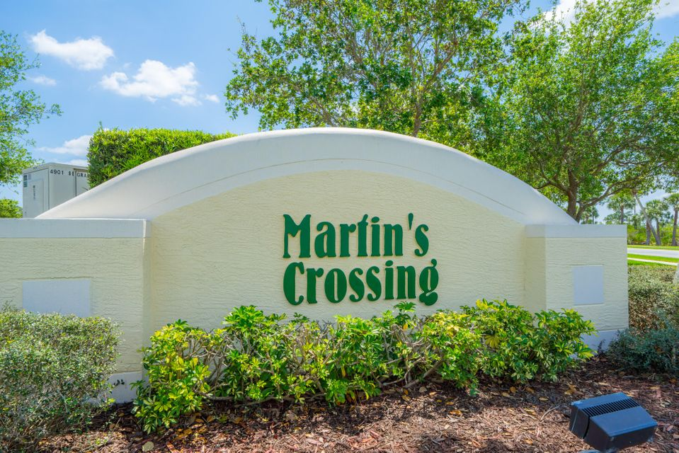 MARTINS CROSSING REALTY