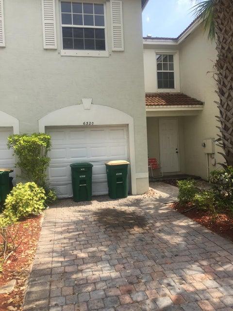 Stadthaus für Verkauf beim 6320 Landings Way Tamarac, Florida 33321 Vereinigte Staaten