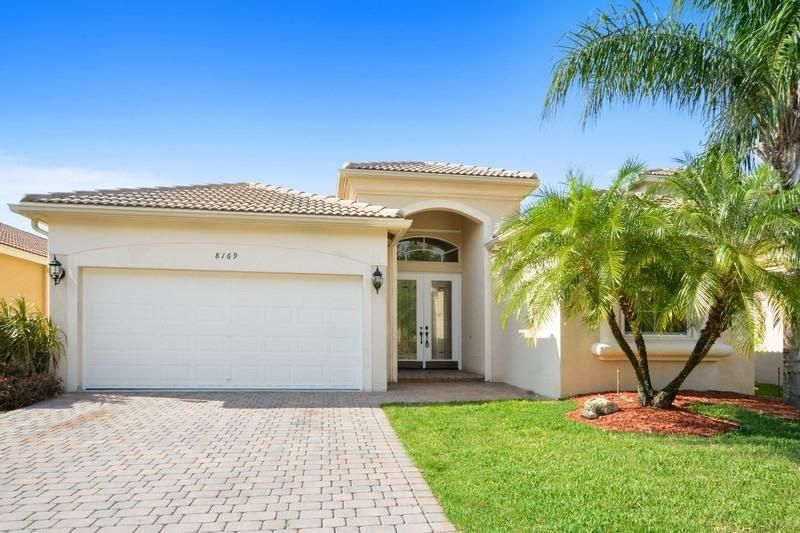 8169 Via Bolzano, Lake Worth, FL 33467