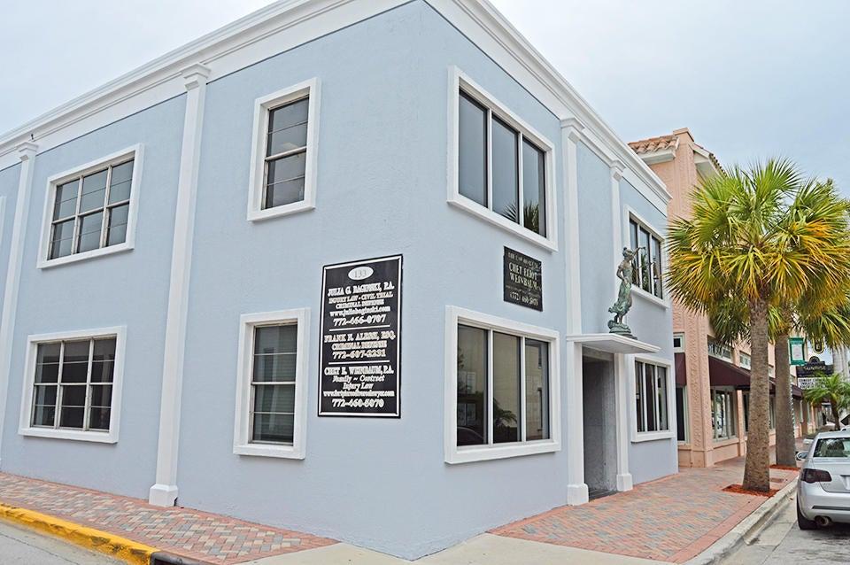 Oficinas por un Alquiler en 133 S 2nd Street 133 S 2nd Street Fort Pierce, Florida 34950 Estados Unidos