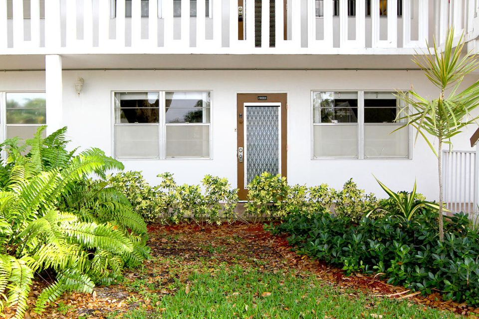 1023 Oakridge D 1023, Deerfield Beach, FL 33442