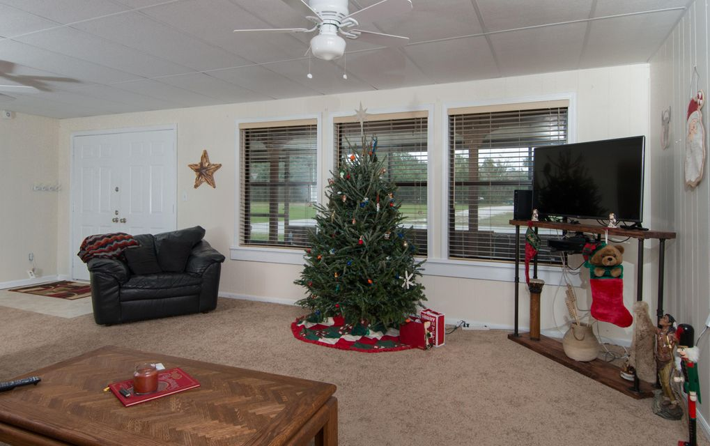 Additional photo for property listing at 3605 Aurora Road 3605 Aurora Road Melbourne, Florida 32934 États-Unis