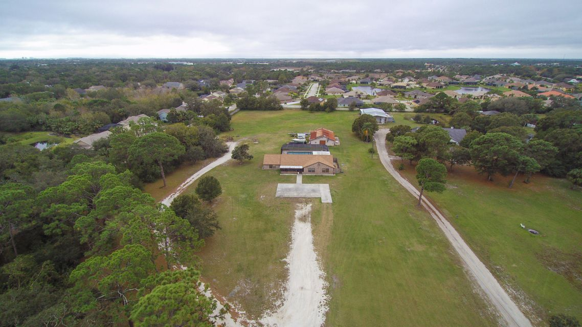 Single Family Home for Sale at 3605 Aurora Road Melbourne, Florida 32934 United States