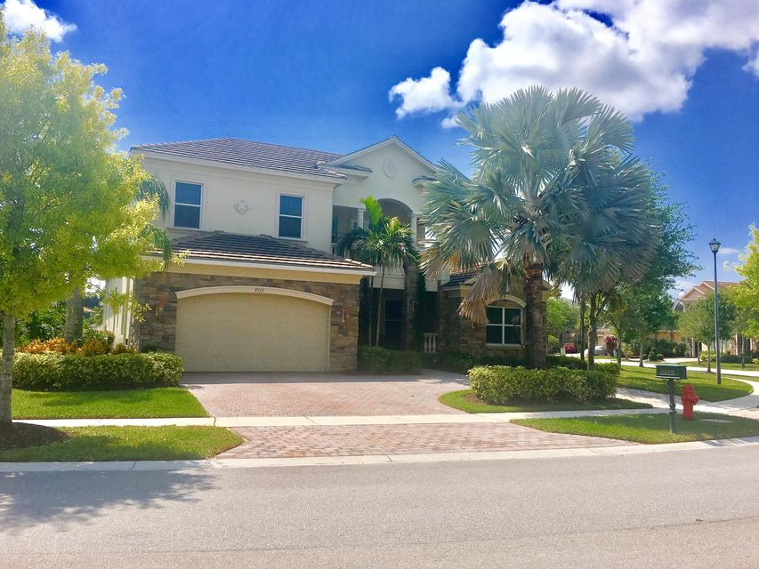 8510 Butler Greenwood Dr, Royal Palm Beach, FL 33411