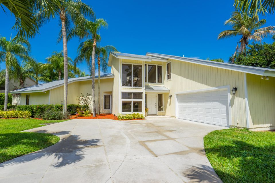 6171 Woodlake Road, Jupiter, FL 33458