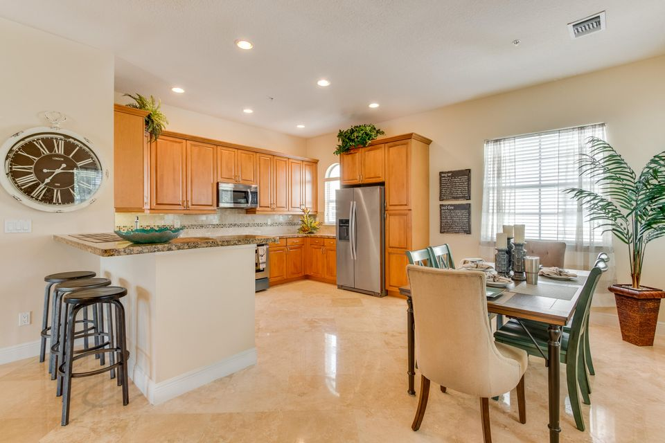 Additional photo for property listing at 16 Via Floresta Drive  Boca Raton, Florida 33487 United States
