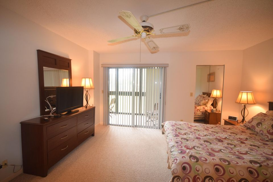 Additional photo for property listing at 7267 Huntington Lane 7267 Huntington Lane Delray Beach, Florida 33446 États-Unis