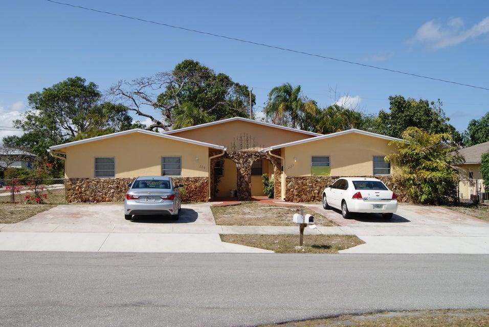 227 SW 2nd Avenue, Boynton Beach, FL 33435
