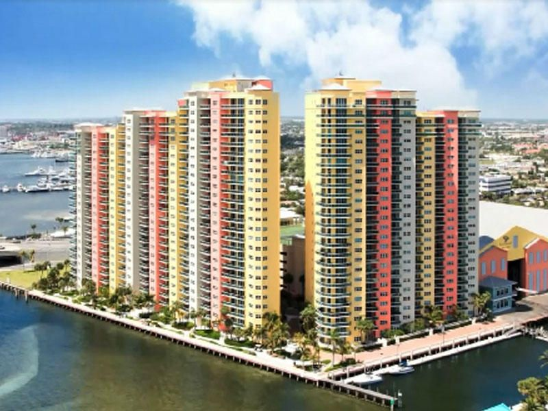 2650 Lake Shore Drive 504, Riviera Beach, FL 33404
