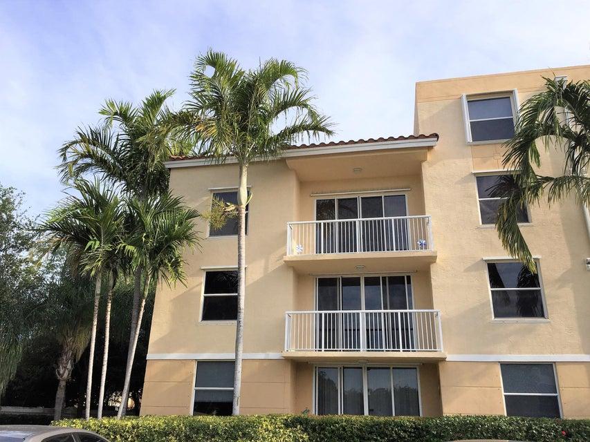 529 E Sheridan Street 201, Dania Beach, FL 33004