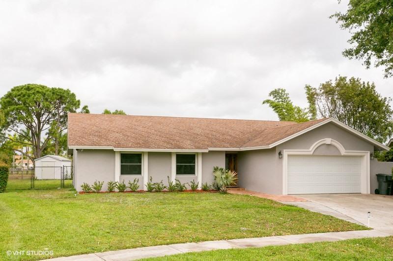 1128 Summerwood Circle, Wellington, FL 33414