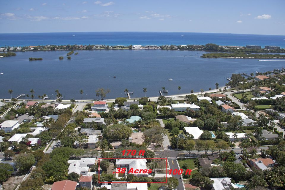 201 Miramar Way  West Palm Beach, FL 33405