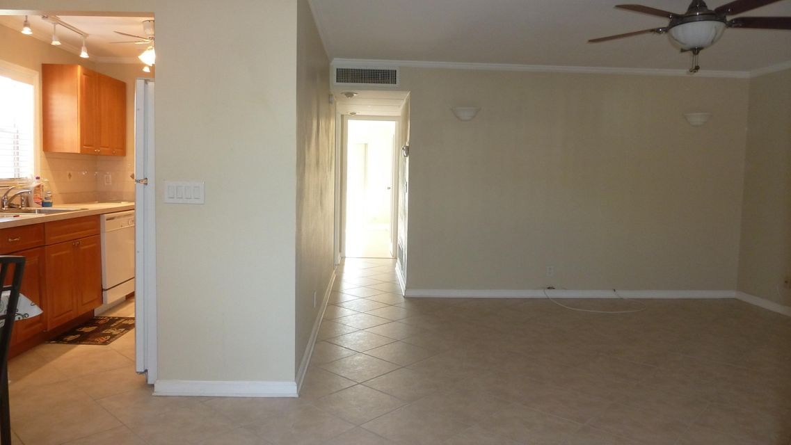 Additional photo for property listing at 633 Monaco N 633 Monaco N Delray Beach, Florida 33446 United States